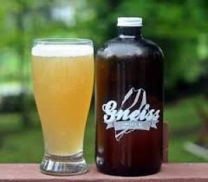 Three Pint Stance - The Growler Mantra: 'Clean, Cold and Fresh'