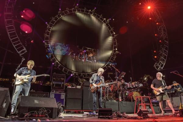 Grateful Dead enthrall in first of 5 final shows