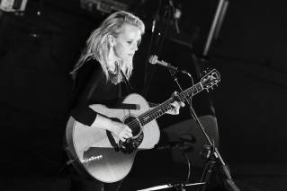 Mary Chapin Carpenter looks forward to 'best of both worlds' at upcoming shows
