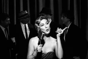 Ana Gasteyer brings the party on I'm Hip'