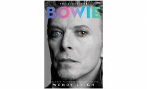 New Bowie bio heavy on the 'juicy bits'