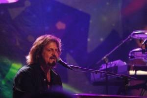 Gregg Rolie talks Santana, Journey & Ringo Starr's All-Starr Band