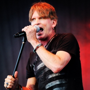 "Dave Bickler, the voice of 1980s anthem ""Eye of the Tiger"" as lead singer for Survivor, has just released his first solo album, ""Darklight."" ""The album has a classic rock feel but it's a very modern-sounding record,"" Bickler says of the new songs. Guest musicians include Ryan Hoyle (ex-Collective Soul) and Brad Smith of Blind Melon. Bickler just returned from a UK tour where he performed the new songs live for the first time and is now preparing for US dates to be announced later this year."