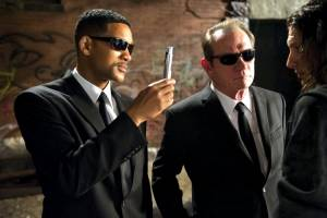'Men in Black 3' surprisingly strong