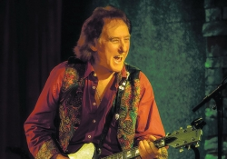 Denny Laine to bring The Moody Wing Band to Portland