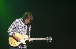 Loud and heavy with hits, John Fogerty delivered