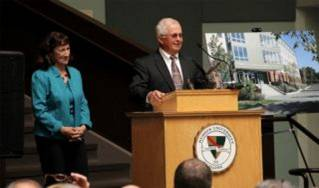 Edward O. and Mary Ellen Darling Learning Center Unveiling