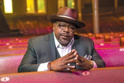 Cedric the Entertainer and Sonna's Christmas collaboration