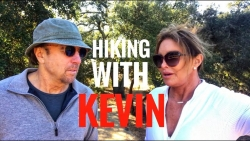 Disarmingly real and hilarious: Kevin Nealon's 'Hiking With Kevin'